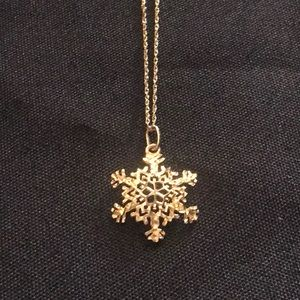 Jewelry - 10K Solid Gold Snowflake Necklace.